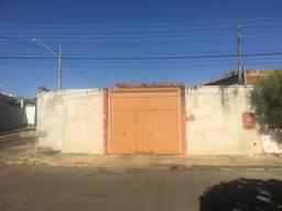 Vendo ou troco Barracão
