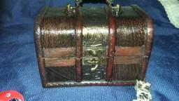 Porta jóias baú com acessórios