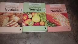 Vendo uma coleção de livros de nutrição