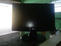 Monitor LG LCD 16,5 em otimo estado