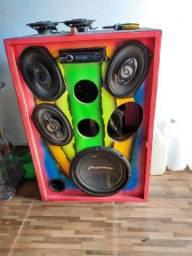 Vendo uma caixa residêncial de som