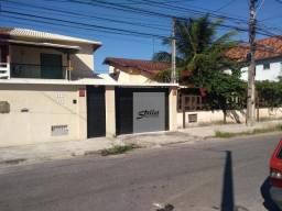 Duplex em meio lote no bairro Extensão do Bosque em Rio das Ostras/RJ
