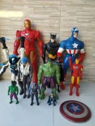 Bonecos Heróis