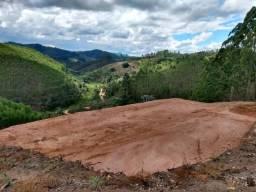 Lindo terreno de 6.000 m2 com vista privilegiada e construimos o chalé dos seus sonhos!