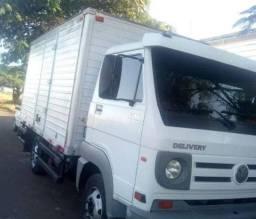 Oportunidade: Caminhão baú retornando Vazio de São Paulo para região de Ibaté/