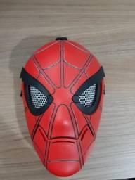 Máscara do Homem-Aranha com olhos que abre e fecha