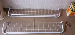 Vendo 2 Araras prateleira de parede com cabideiro