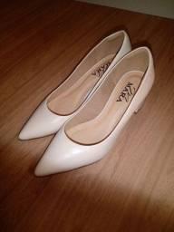 Sapato: cor bege, em ótimo
