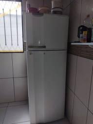 Vendo Refrigerador Eletrolux super freezer DC37