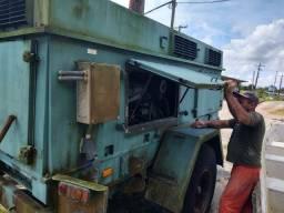 Título do anúncio: Gerador com dois motores a diesel -  17 Kva  50 Hz  220 Vac  Mono - Usado em Ótimo Estado