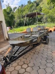 Barco 5,50m , acompanha motor de 15 hp da yamaha , carretinha com estepe