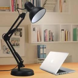 Luminária de Mesa Articulada Modelo: Pixar