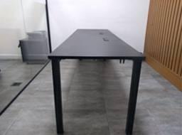 Mesa de Madeira com Instalação Elétrica Pronta