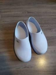 Sapato profissional branco