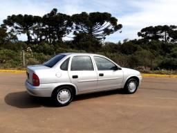 Corsa Sedan 1999 1.0<br>
