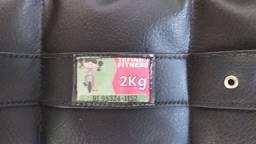 Kit com 2 pares de caneleiras. 2 e 3 kg.