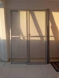 Porta de Correr 2 Folhas de Vidro Alumínio - 227 cm x 150 cm (A x L)