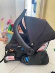Bebê conforto com base, usado.