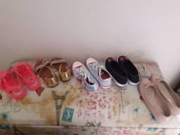 Vendo 05 pares de sapato
