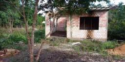 Vendo uma casa em construção