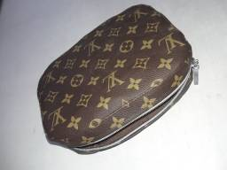 Necessaire Louis Vuitton usada