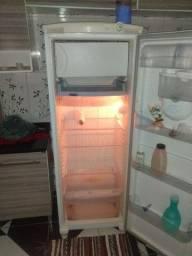 Geladeira Consul gelo seco