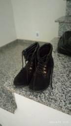 Botinha e sapato número 35