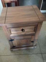 Criado mudo de madeira 1prts 1gvt