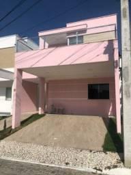 Casa 3/4 com Armários na Cozinha e Suíte e Garagem coberta no Sim
