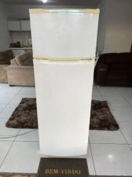 Vendo Geladeira Consul 360 litros Duplex Entrego e dou garantia
