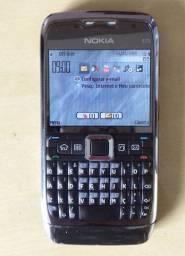 Celular E71 com Carregador