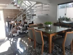VENDA | Sobrado, com 3 quartos em PARQUE RESIDENCIAL CIDADE NOVA, Maringá
