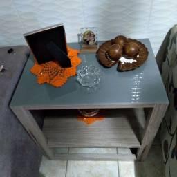 Vendo mesa lateral por 250,00  aproveite