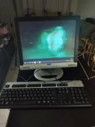 Computador com vários jogos