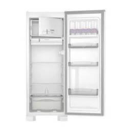Refrigerador 245L ROC31