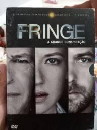 """Série Fringe """"A grande conspiração"""" Temporada 1 - 4 DVDs"""