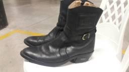 Vendo bota original v.120.00