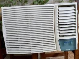 Aparelho de ar condicionado semi novo