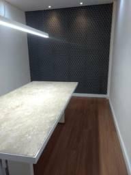 Pisos vinílicos e laminados, restauração de pisos madeiras, papel de parede e persianas