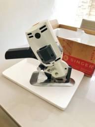 Máquina de cortar tecido Singer Industrial