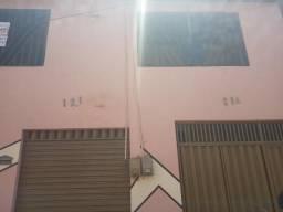 Casa com ponto comercial no Conjunto Ceará.