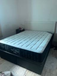 Vendo cama queem completa com baú e cabeceira de madeira