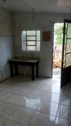 Alugo pequena casa - Ideal para uma pessoa