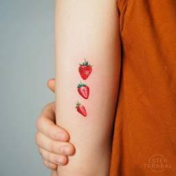 Tattoos minimalistas na promoção
