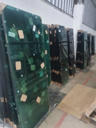 Contrata vendedor com experiência em vidros e acessórios