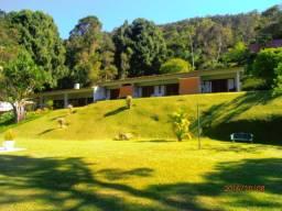 Itaipava - Duas Casas belissimas - Vale do Cuiaba 04 suites e 03 suites