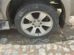 Roda 20 polegadas 6 furos com pneus.