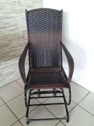 Vendo lindas cadeiras de balanço