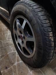 Troca-se pneu aro 14 185 /65  por outro menor em mesmo estado de uso.