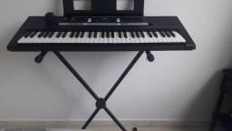 Vendo teclado Yamaha PSR- E243